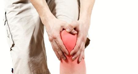 Покраснение кожи над воспаленным суставом сигнализирует о его повреждении