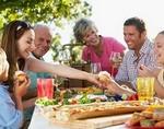 У людей, поддерживающих контакт с родственниками, понижается риск смерти