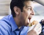 Манера быстро употреблять пищу может привести к развитию сахарного диабета