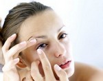 Контактные линзы могут стать причиной потери зрения