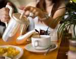 Против боли в спине поможет утреннее чаепитие