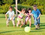 Для профилактики близорукости детям надо играть на улице